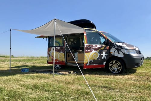 Hire a motorhome in Oldenburg from private owners| Volkswagen Surferbulli
