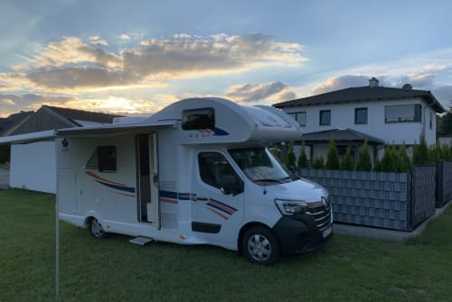 Hire a motorhome in Cham from private owners| Ahorn Ahorn Eco 683