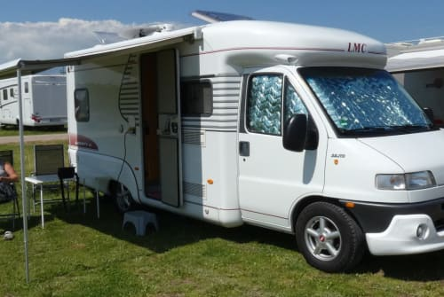 Hire a motorhome in Lüdenscheid from private owners| LMC Liberty