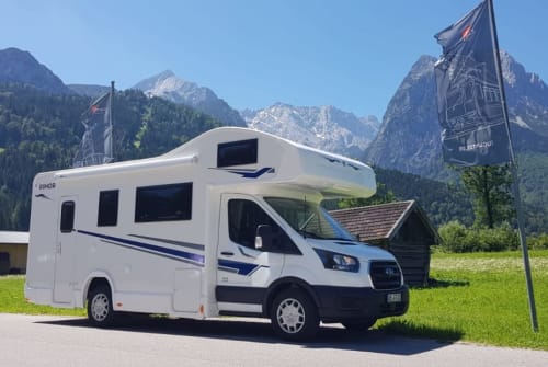 Hire a motorhome in Finnentrop from private owners| Rimor Evo Sound Melman