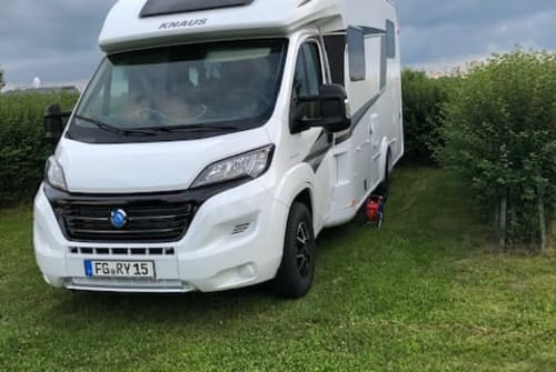 Hire a motorhome in Diera-Zehren from private owners| Knaus Knaus 1