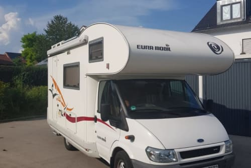 Hire a motorhome in Dorfen from private owners| Eura Mobil Hildegard