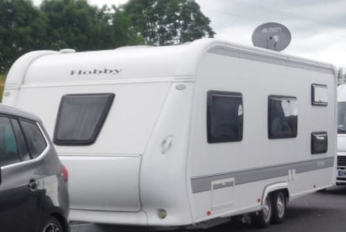 Hire a motorhome in Jüchen from private owners| Hobby Hamachercamper