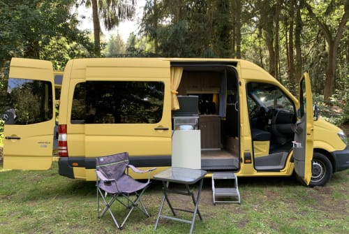 Hire a motorhome in Bremen from private owners| Mercedes Benz Sprinter Sprinter