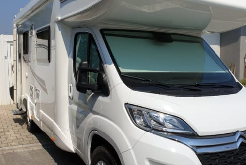 Hire a motorhome in Buch am Erlbach from private owners| PLA PEPPA MOBIL