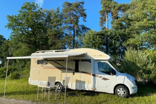 Hire a motorhome in Cham from private owners| Ahorn Ahorn Alaska TE