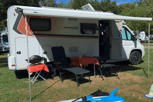 Hire a motorhome in Offenburg from private owners| Weinsberg Ernie