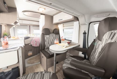 Hire a motorhome in Sulzberg from private owners| Pössl AllgäuRoadcamp
