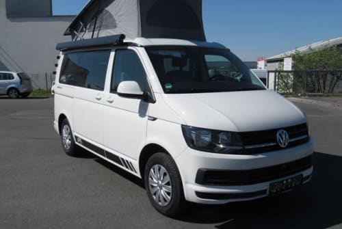 """Hire a motorhome in Cham from private owners