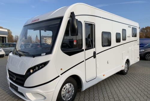 Hire a motorhome in Obernkirchen from private owners| Dethleffs Uwe
