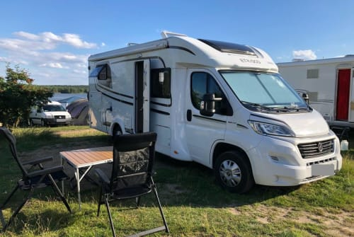 Hire a motorhome in Lübeck from private owners| ETRUSCO MAAS-ROVER