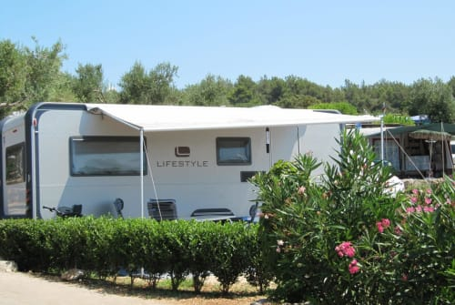 Hire a motorhome in Viersen from private owners| Knaus Lifestyle