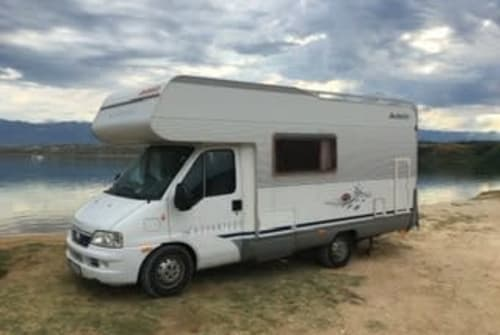 Hire a motorhome in Fulda from private owners| Dethleffs Eduanna