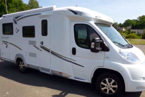 Hire a motorhome in Saarbrücken from private owners| T.E.C.  TECKI