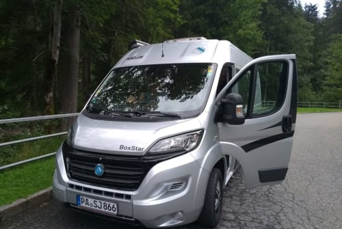 Hire a motorhome in Wegscheid from private owners| Knaus C1