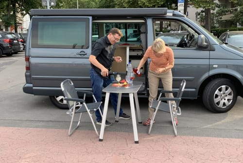 Hire a motorhome in Berlin from private owners| VW VW T5 Californi