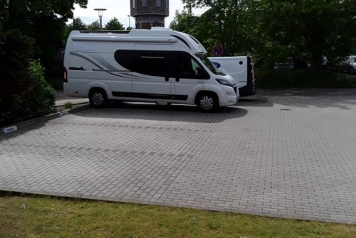 Hire a motorhome in Niebüll from private owners| Peugeot  Globe Traveler