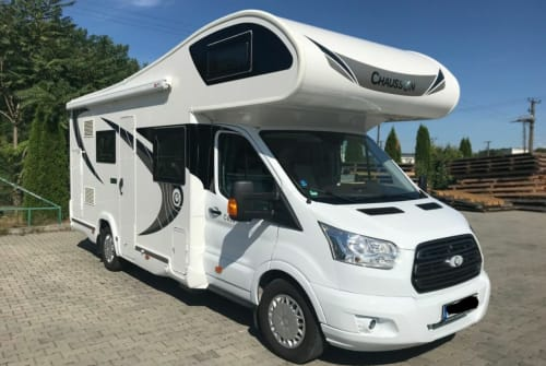 Hire a motorhome in Lüdersdorf from private owners  Chausson Rosi