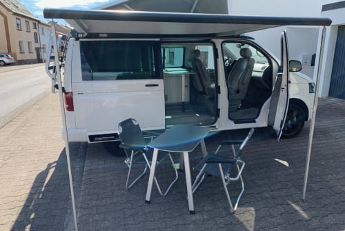 Hire a motorhome in Dormagen from private owners| VW Freedom-Bulli