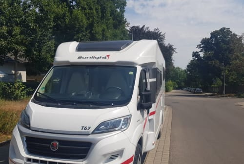 Hire a motorhome in Ludwigsburg from private owners| Sunlight  Fridolin