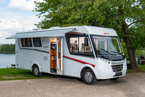 Hire a motorhome in Dormagen from private owners| Dethleffs Joe