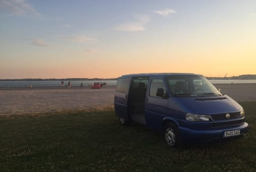 Hire a motorhome in Berlin from private owners  VW Boi