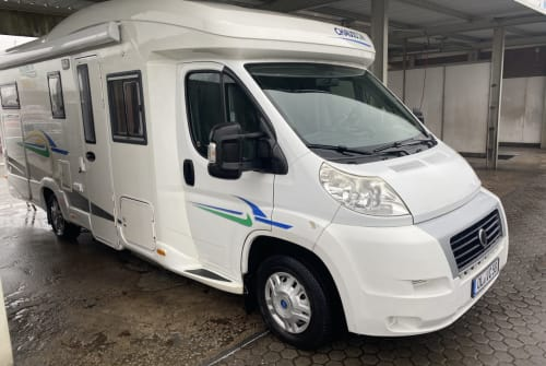 Hire a motorhome in Wardenburg from private owners| Chausson Dotty