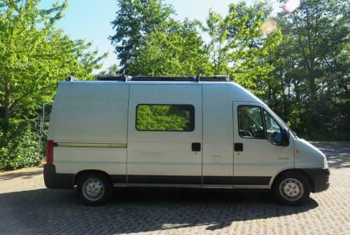 Hire a motorhome in Eemnes from private owners| Citroen Citroen Jumper