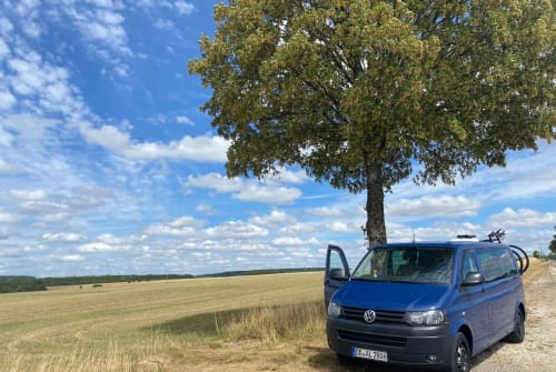 Hire a motorhome in Berlin from private owners| Volkswagen LEAGALIZE