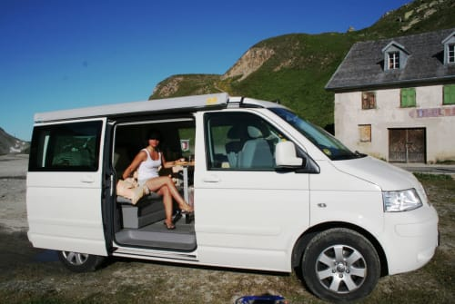 Hire a motorhome in Fulda from private owners  Volkswagen  T5 Cali