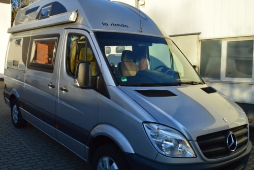 Hire a motorhome in Wülfrath from private owners| La Strada SunCar2