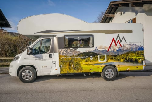 Hire a motorhome in Mittenwald from private owners| Carado  Carado A 361