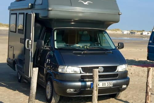 Hire a motorhome in Eckernförde from private owners| VW VW Karmann Colorado