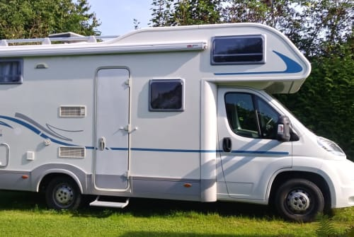 Hire a motorhome in Arnstorf from private owners| Adria Womo
