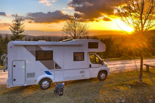 Hire a motorhome in Jena from private owners| Sun Living by Adria Raumwunder