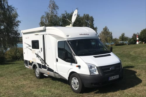 Hire a motorhome in Weißwasser from private owners| Hobby Moni