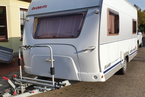 Hire a motorhome in Varel from private owners| Dethleff´s Camper