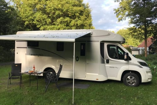 Hire a motorhome in Stadtroda from private owners| Team Roller Zefiro Plus 265