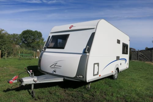 Hire a motorhome in Oranienburg from private owners| Bürstner Pura Vida