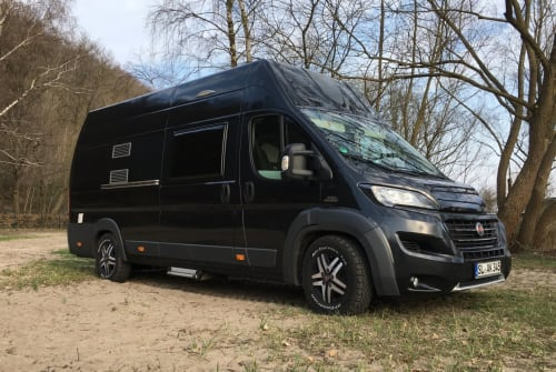 Hire a motorhome in Löwenstedt from private owners| Adria Rollo
