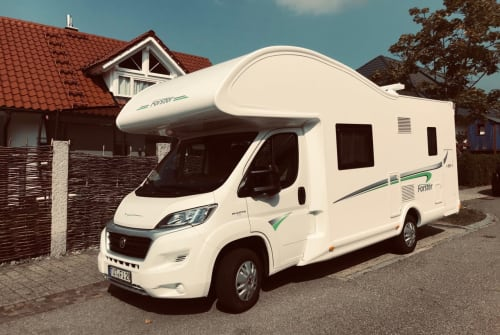 Hire a motorhome in Denkingen from private owners| Forster Entdeckerle