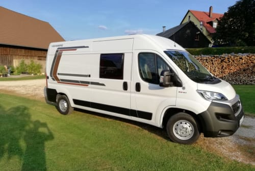 Hire a motorhome in Pilsach from private owners| Weinsberg Karsten