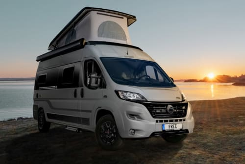 Hire a motorhome in Bötersen from private owners| Hymer Hymer Free 600