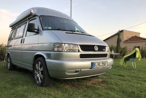 Hire a motorhome in Berlin from private owners  VW T4 SkipBo