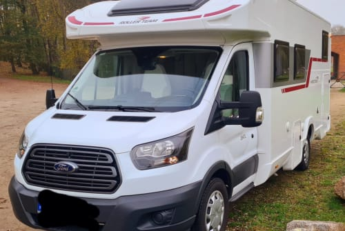 Hire a motorhome in Wismar from private owners| Ford Miss Molly