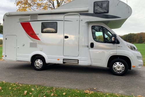 Hire a motorhome in Braunschweig from private owners| Bürstner LEO