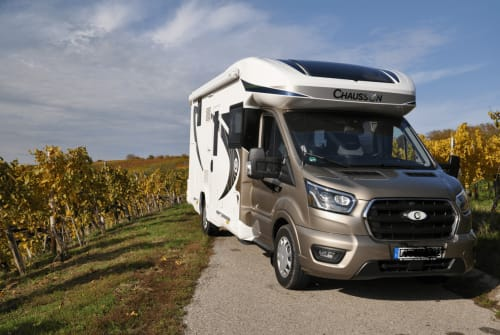 Hire a motorhome in Pleidelsheim from private owners| Chausson Erwins WoMo