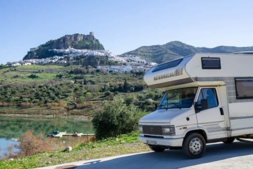 Hire a motorhome in Zahara from private owners| Fiat Helmut