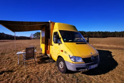 Hire a motorhome in Berlin from private owners  Mercedes Björn-Jeremy