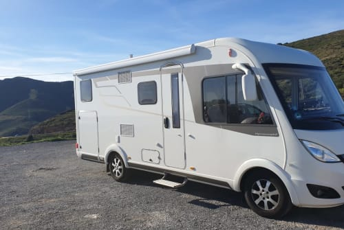 Hire a motorhome in Winnenden from private owners  Hymer Fritz